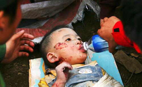 汶川大地震中最靓丽最帅气的小英雄